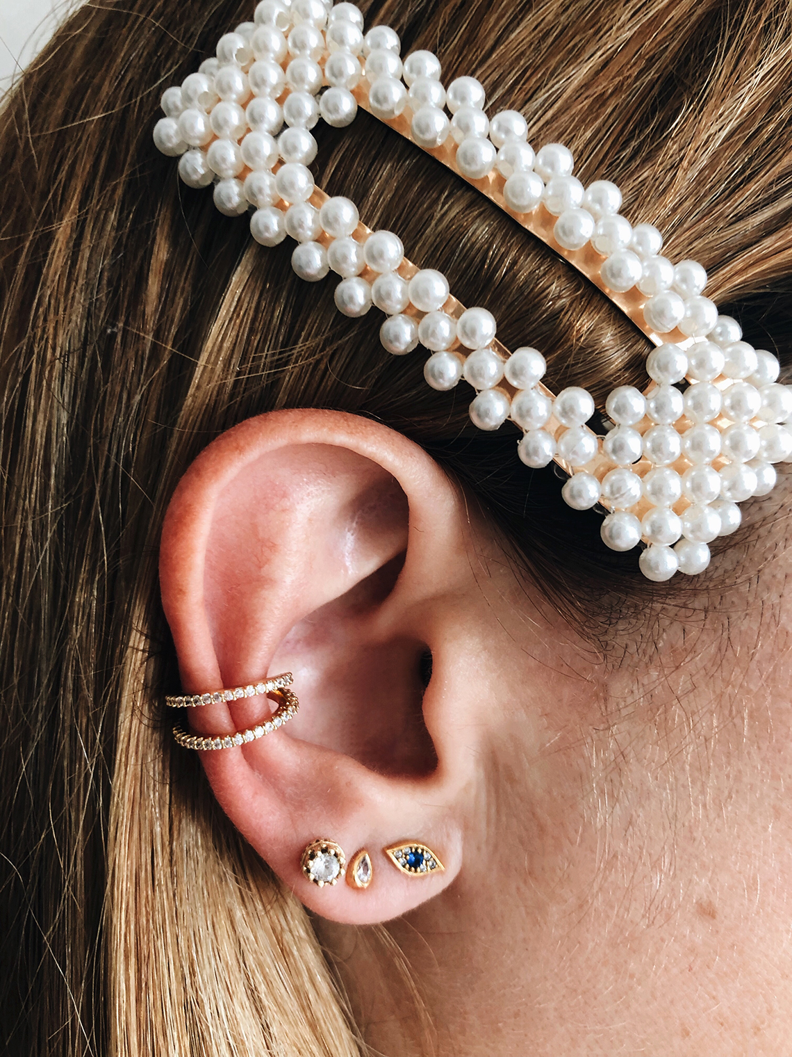 """f9ec4ea9e Jewelry trends come and go but if theres's one style that's always """"in"""" is  the minimal kind (pretty much like your wardrobe staples). Whether I'm  layering ..."""