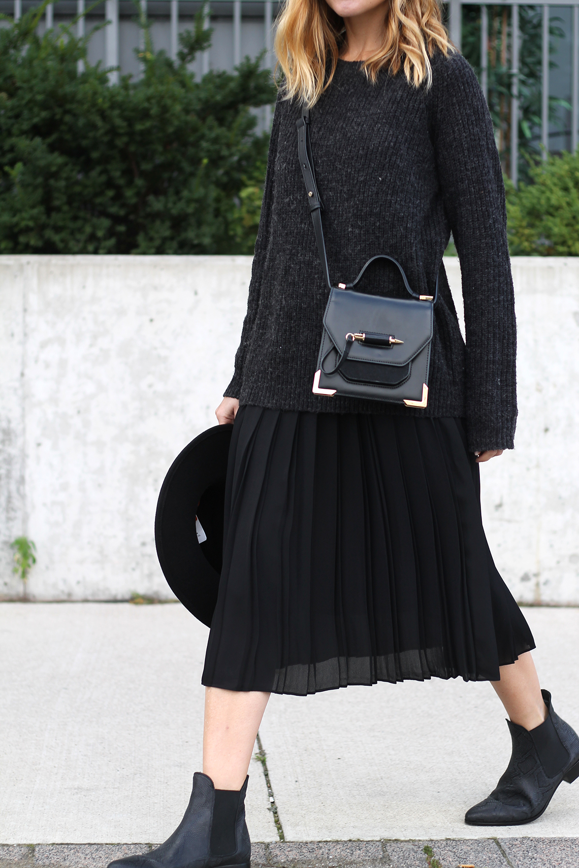 how to style a midi skirt this fall